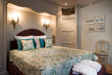 "Master Suite ""Perle"" with canalview"